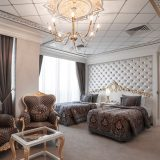 king-suite-room-2